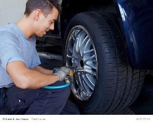 Fotolia_25825091_S_copyright300 Tipps & Tricks zum Reifenwechsel