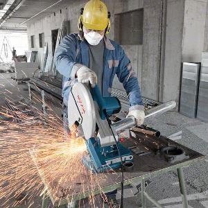 4groß Metallbearbeitung: Bohren, Fräsen und Sägen mit den richtigen Werkzeugen