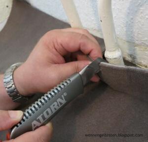 Teppich-verlegen_2-300x288 ATORN Werkzeugkoffer inkl. 50 Werkzeuge - Der Testbericht