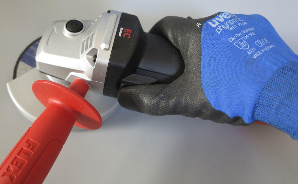 Flex_in_Hand_oben-1030x635 Produkttest: Flex Winkelschleifer L 13-10 125-EC